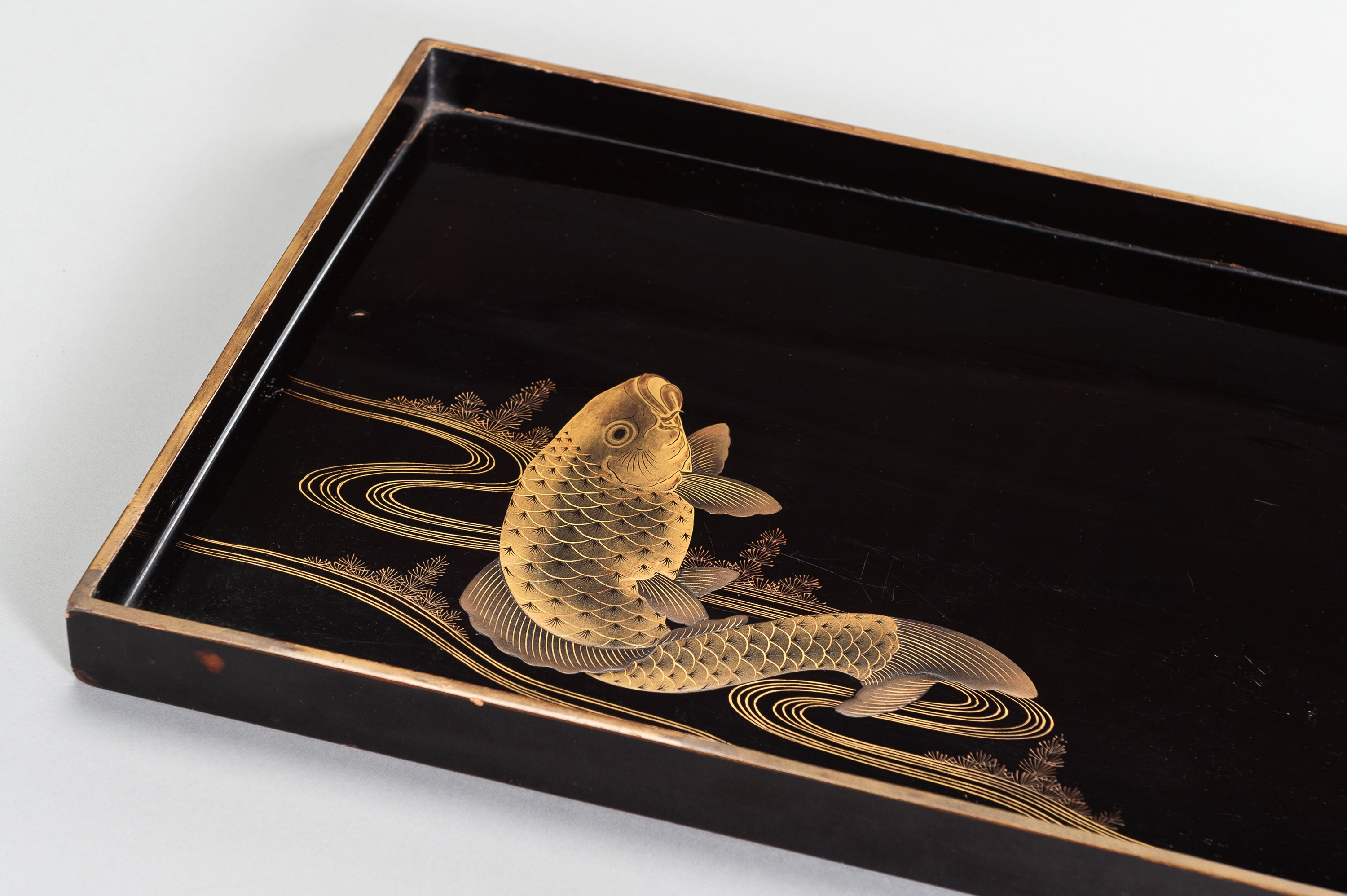A LARGE LACQUER TRAY WITH CARP - Image 2 of 2
