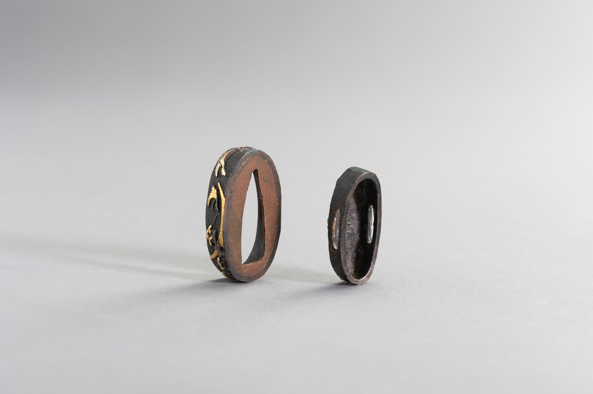A FINE FUCHI AND KASHIRA WITH GEESE AND MOON - Image 7 of 7