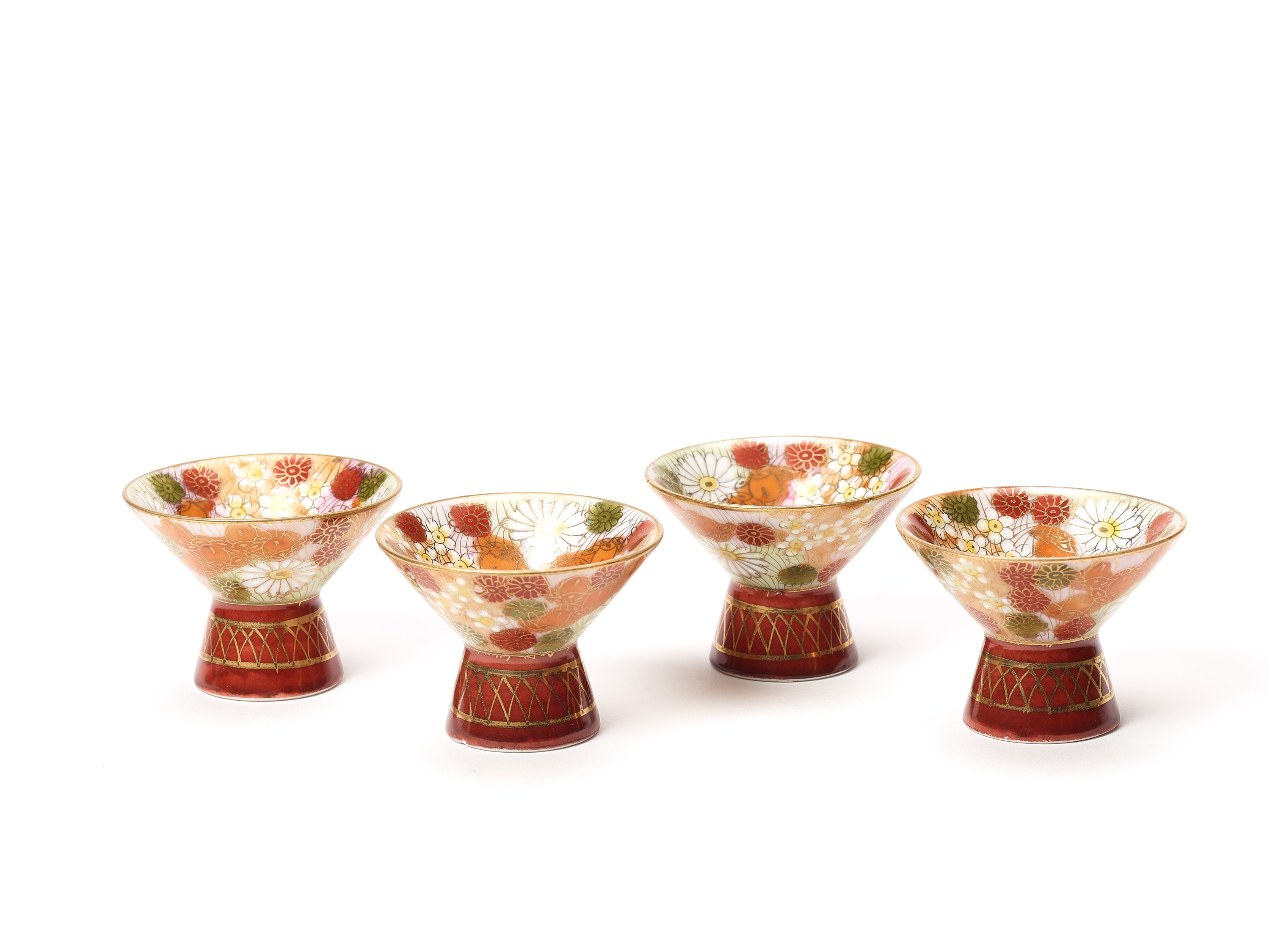 TWO SMALL VASES, SIGNED SHUSAN, AND FOUR SAKE CUPS WITH FLORAL DECORATIONS - Image 6 of 8