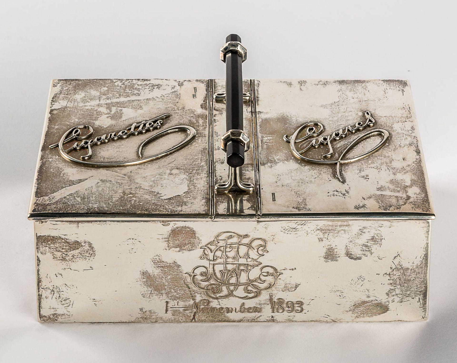 GROSSE ZIGARETTEN- UND ZIGARREN-BOX MIT MONOGRAMM UND DATUM 1. NOVEMBER 1893