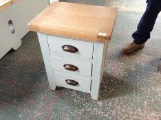 Hampshire Grey Painted Oak Large 3 Drawer Bedside Table (SCUFFED DAMAGED)(I64 -WXF P03)