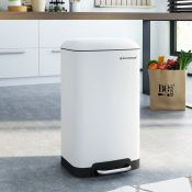 Symple Stuff, Kitchen 30 Litre Step On Rubbish Bin (WHITE) - RRP £58.99 (SNGM1145 - 20996/7) 2G