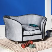 Archie & Oscar, Earlene Dog Sofa in Light Grey - RRP £72.99 (PWHT1027 - 20996/2) 2G