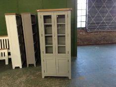 Hampshire Grey Painted Oak Display Cabinet (DAMAGED)(I41 -WXF P37)