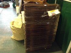 Symple Stuff,Wheelie Wooden Single Bin Store RRP -£173.99 (21796/17 -CWKS1293)