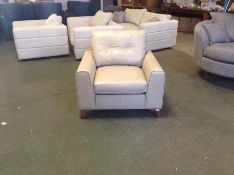 EX SHOWROOM CREAM LEATHER CHAIR (SAMPLE CHAIR ) (G
