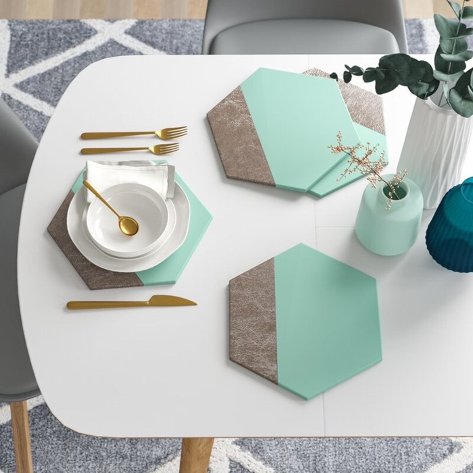 17 Stories, Hexagonal Leather Effect Placemat (JADE/SILVER) X4 - RRP £22.99 (CCOP2031 - 21629/3) 4G