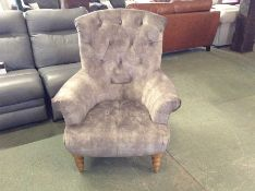 GREY BUTTON BACK ACCENT CHAIR (HH33-154232-52)