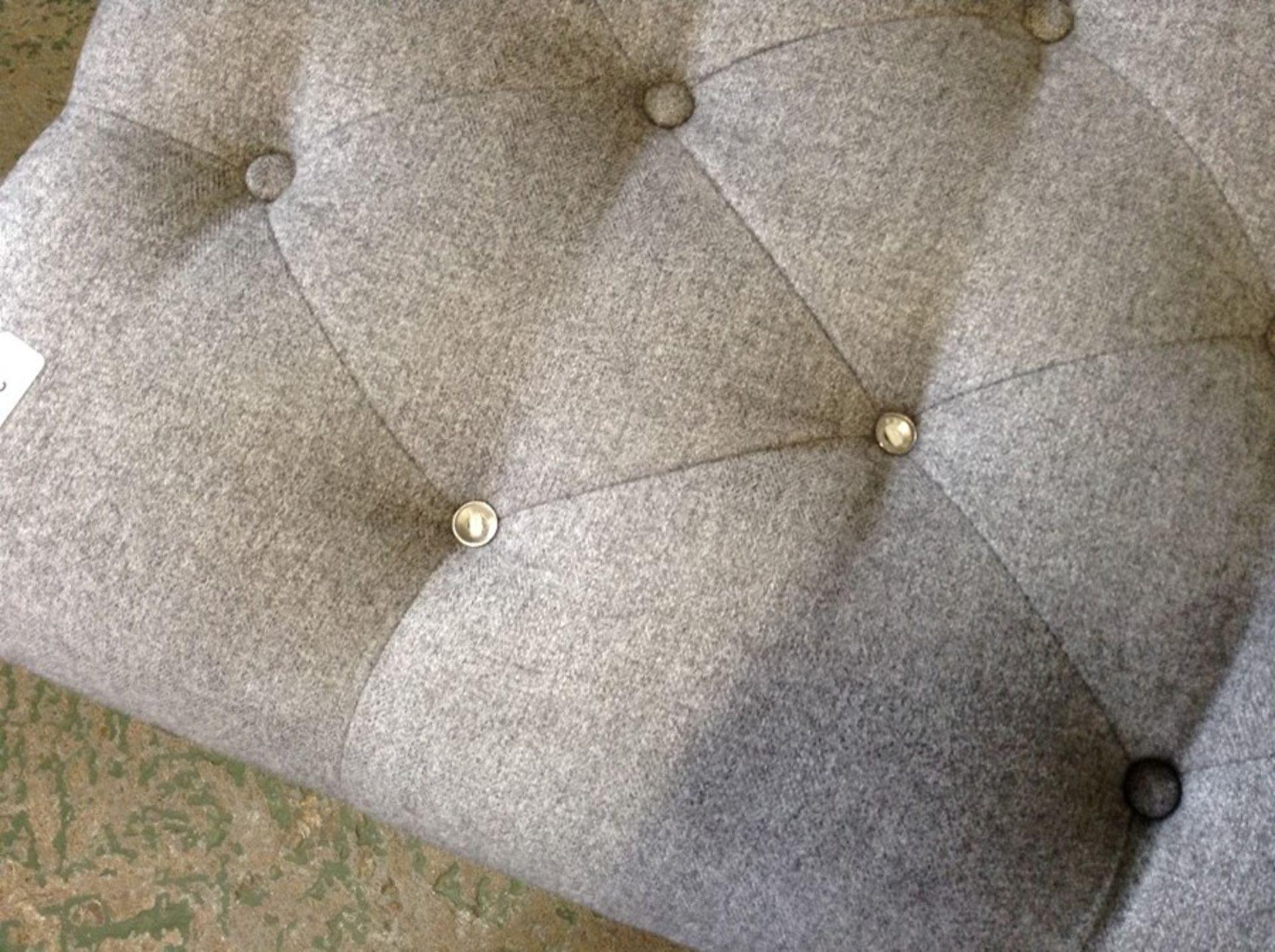 GREY FABRIC BENCH STOOL TR002161 W00794661 (MISSING BU - Image 2 of 3