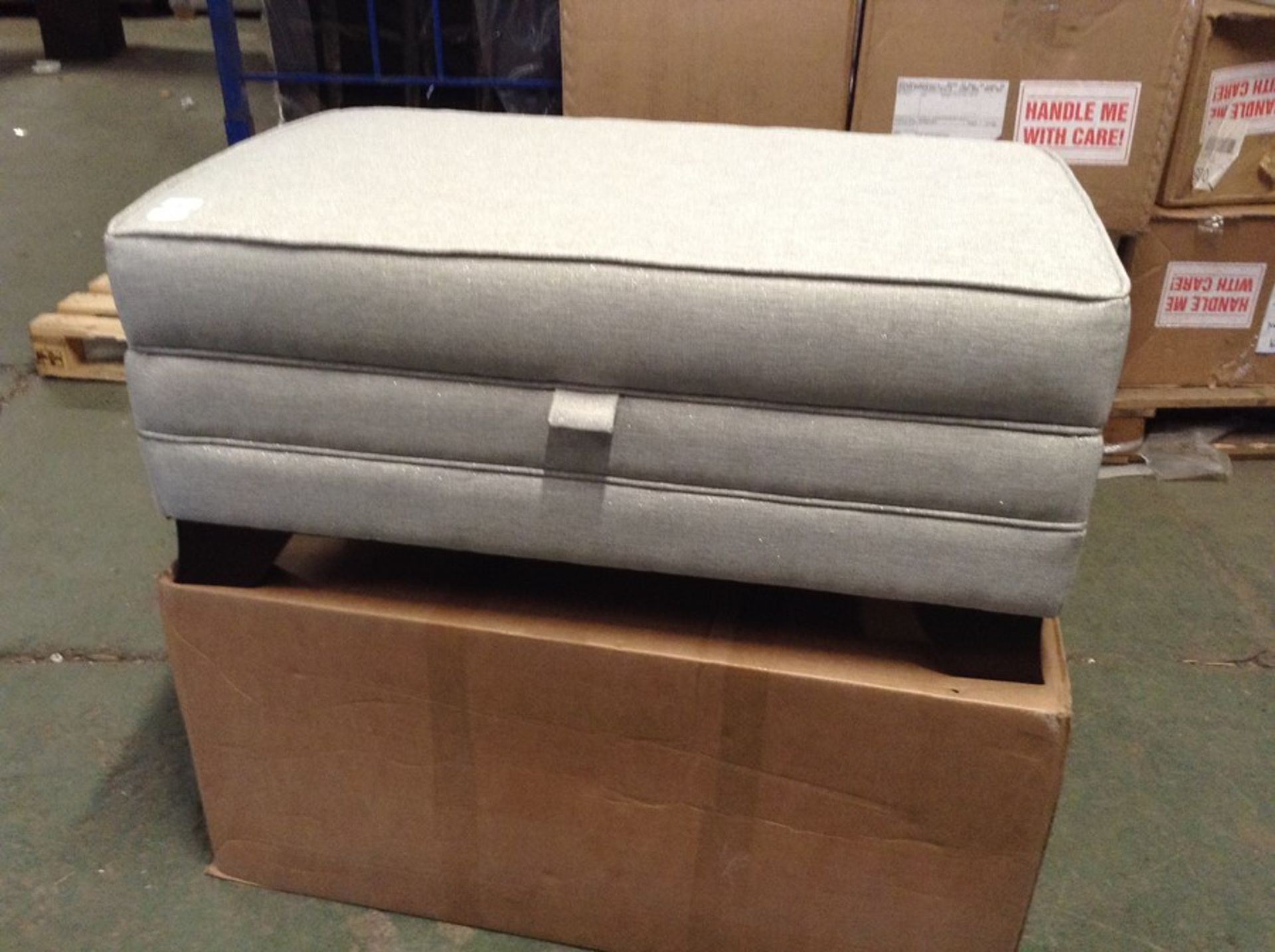 SILVER AND GREY STORAGE FOOTSTOOL (HH29_714887-3)