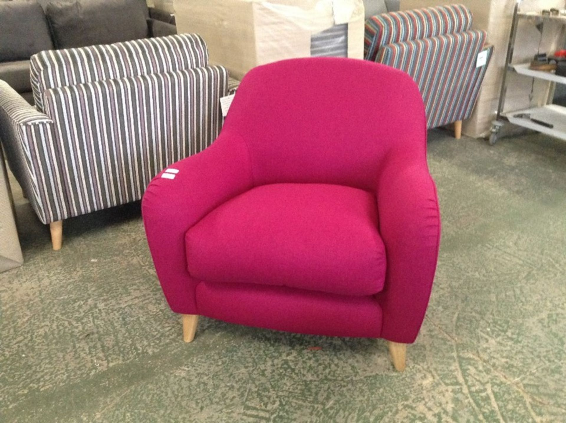 JOPLIN MOONS WOOL FUSCHIA CHAIR (SFL2008)