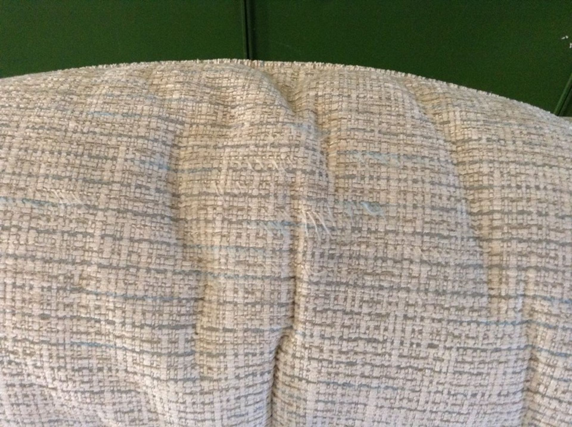 BISCUIT PATTERNED HIGH BACK 3 SEATER SOFA (FRAYING - Image 2 of 2