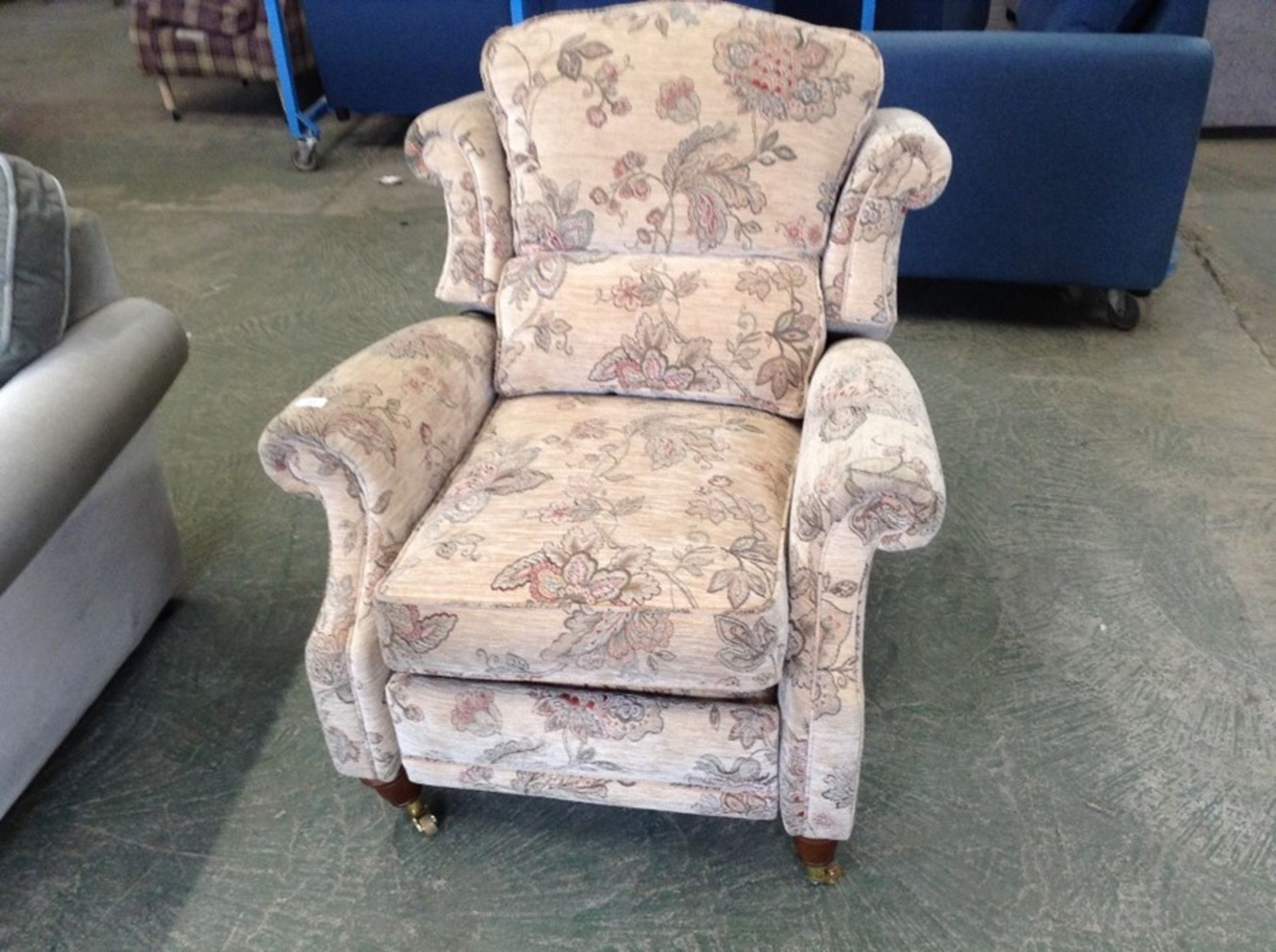 CREAM FLORAL PATTERNED ELECTRIC RECLINING CHAIR (D