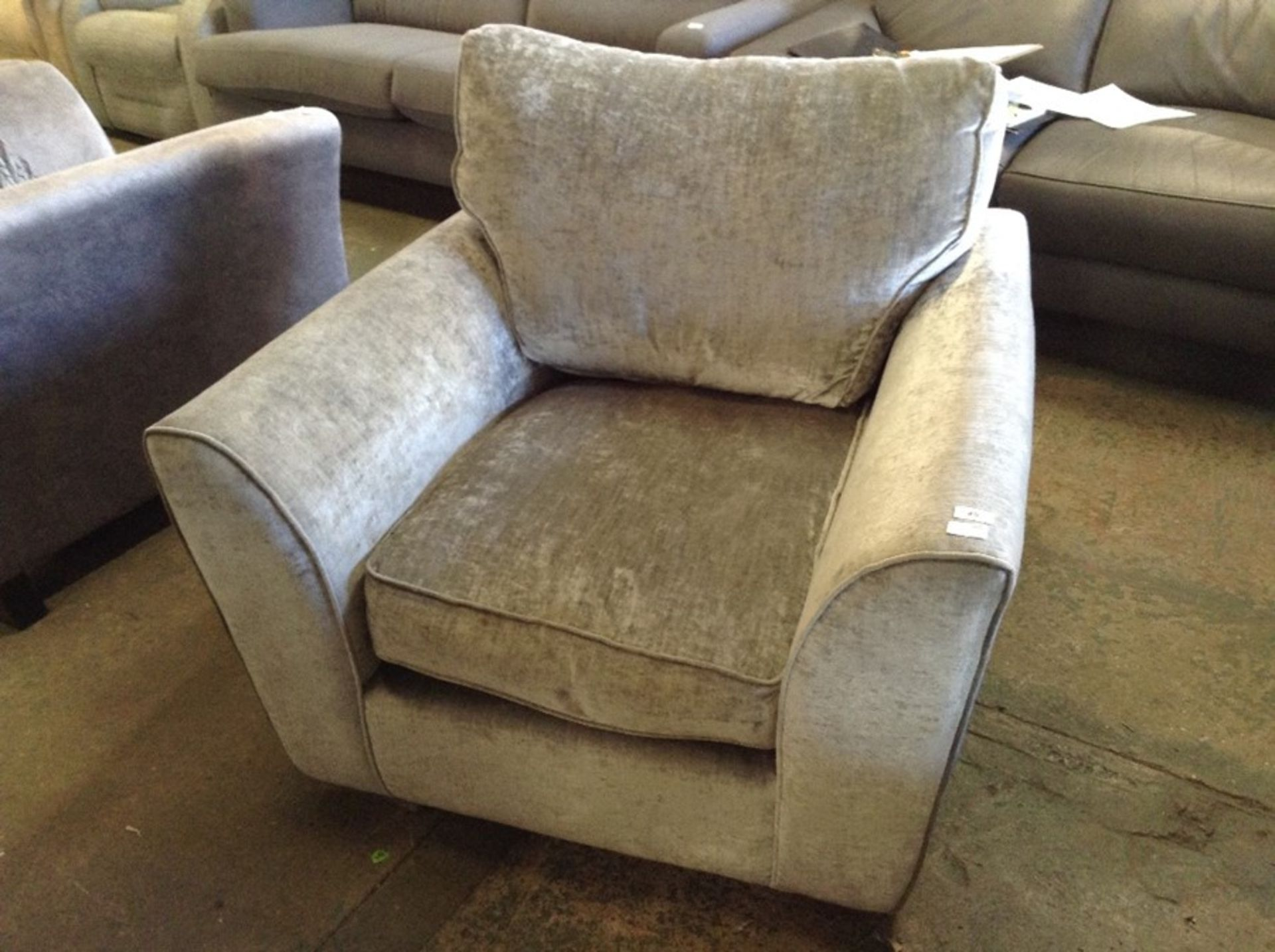 SILVER FABRIC CHAIR HH33-640018-50