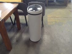 |1x| SENSE TOUCH FREE BIN 50 L WHITE |DAMAGED|NO C
