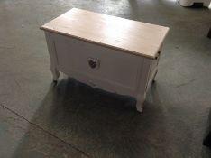 Maine Furniture Co.,Painted Blanket Box RRP£183.99 (HL9 - 9/1 -BBLO1021.11538609) (damaged)