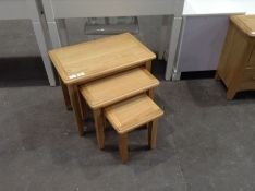 Gloucester Oak Nest of 3 Tables(C/72 -GAO-N3T)(SMALL SCRATCH)