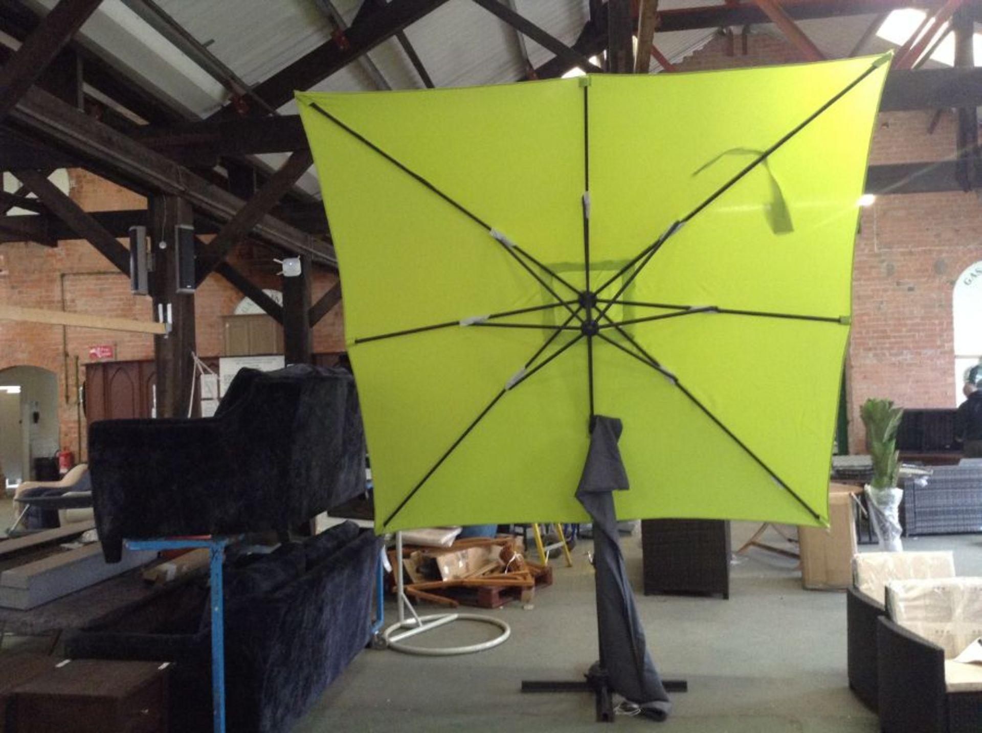 Schneider Schirme,Rhodes Junior 2.3m Square Cantilever ParasolRRP -£289.99(23907/3 -TBZZ1005)