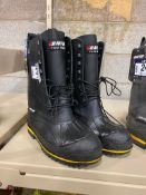 Baffin Steel Toed Winter Boot, Size 11