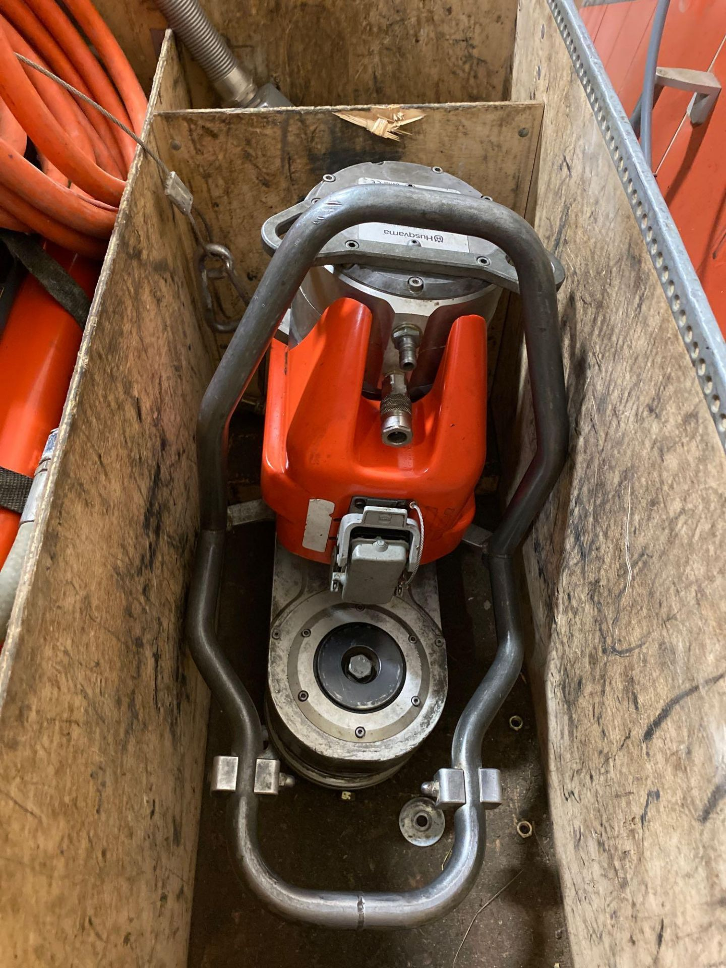 Husqvarna WS 440 HF Electric Wall Saw, Husqvarna PP 440 HF Power Pack, Track System, Blade Guards, e - Image 12 of 17