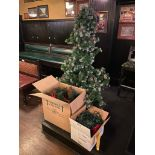6' CHRISTMAS TREE WITH LIGHTS & DECORATIONS