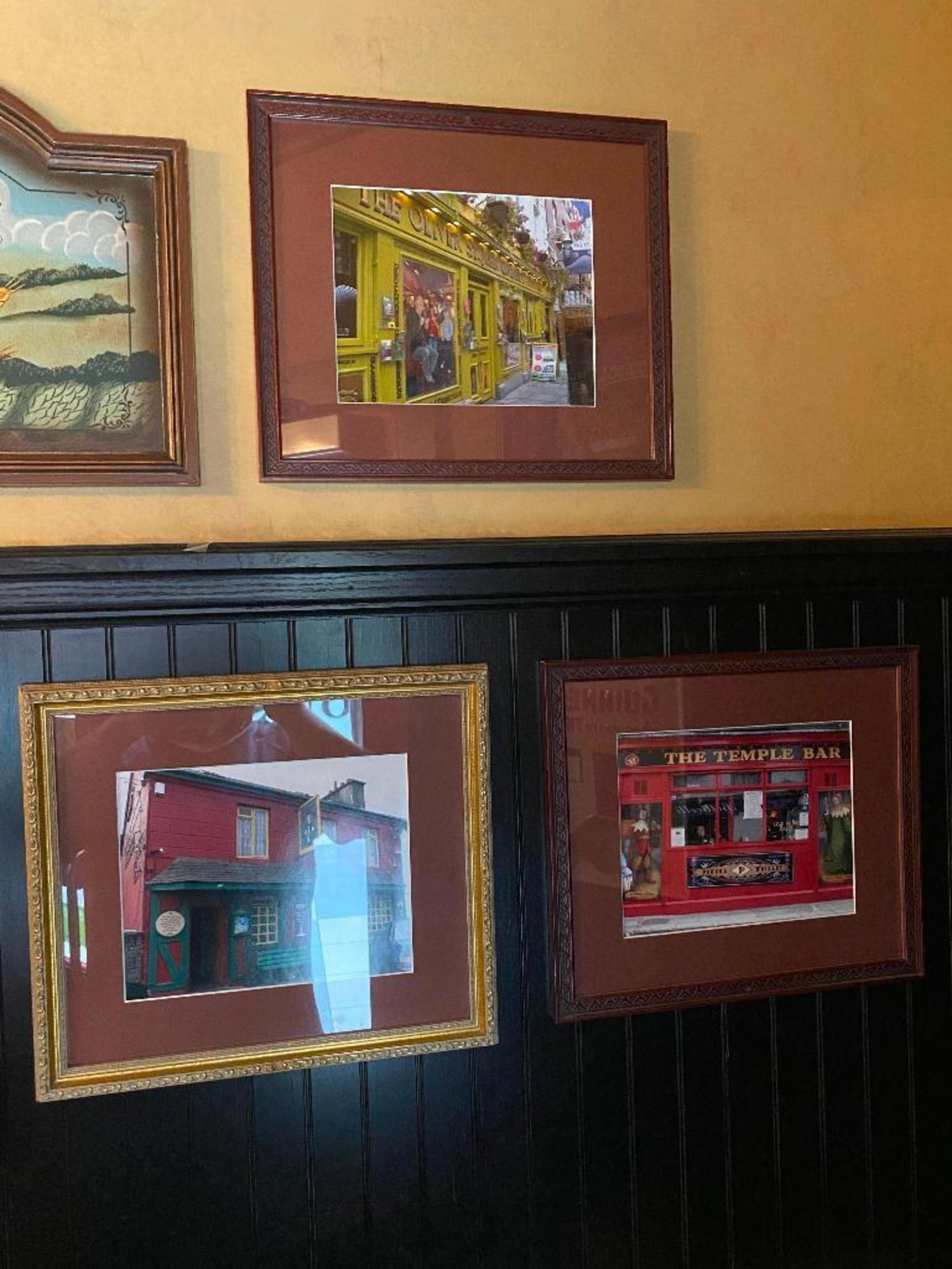 LOT OF (7) FRAMED MEMORABILIA PHOTOS & (2) WOODEN GUINNESS PLAQUES - NOTE REQUIRES REMOVAL FROM WALL - Image 3 of 5
