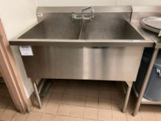 TRIMEN 2 WELL STAINLESS STEEL SINK - NOTE: REQUIRES DISCONNECT, PLEASE INSPECT
