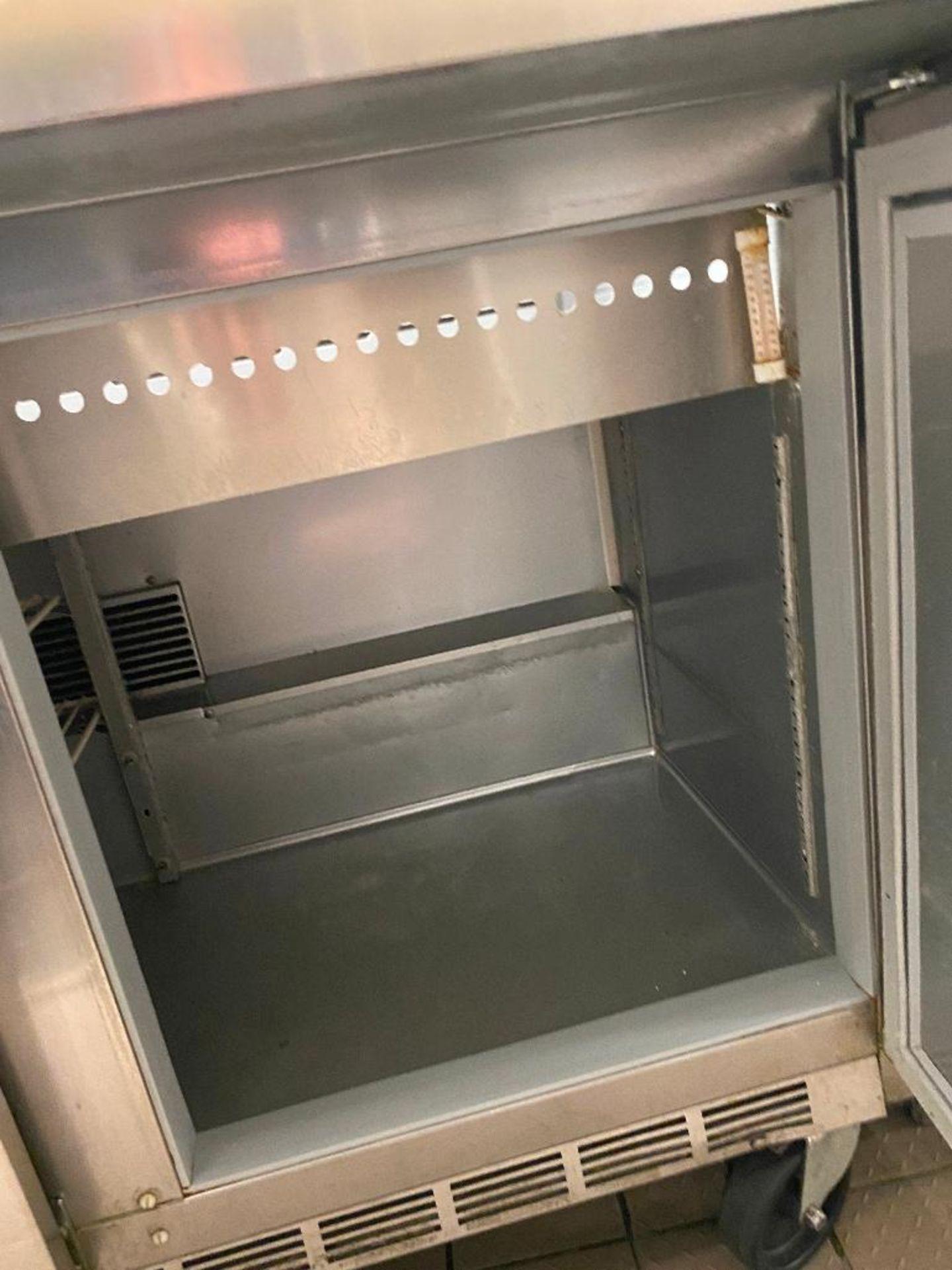 6' BEVERAGE AIR SPE72-30M TRIPLE DOOR SANDWICH PREP TABLE - Image 4 of 6