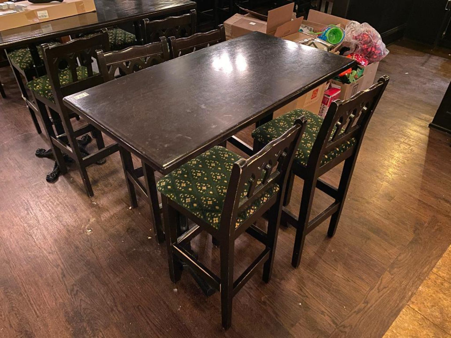 RECTANGULAR BAR HEIGHT TABLE WITH 4 BAR HEIGHT CHAIRS - Image 2 of 3