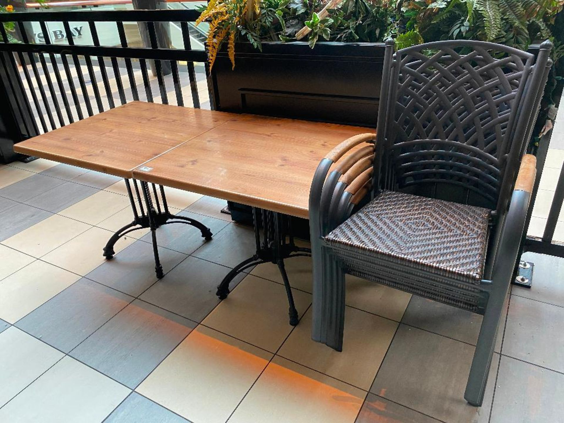 "LOT OF (2) TOPALIT 31"" X 31"" PATIO TABLE WITH 5 CHAIRS - Image 2 of 4"