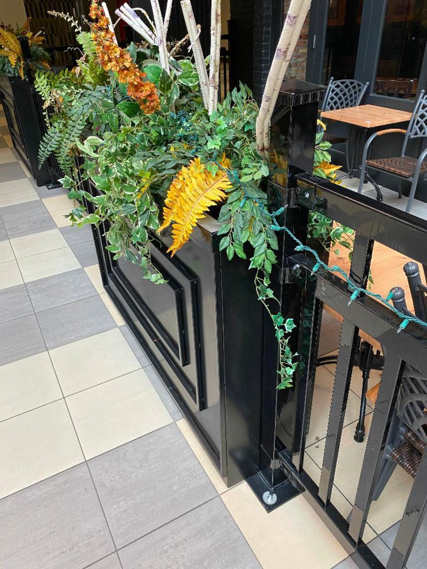 APPROX. 60' OF BLACK METAL RAILING & PLANTER - NOTE: REQUIRES REMOVAL FROM FLOOR, PLEASE INSPECT - Image 3 of 4