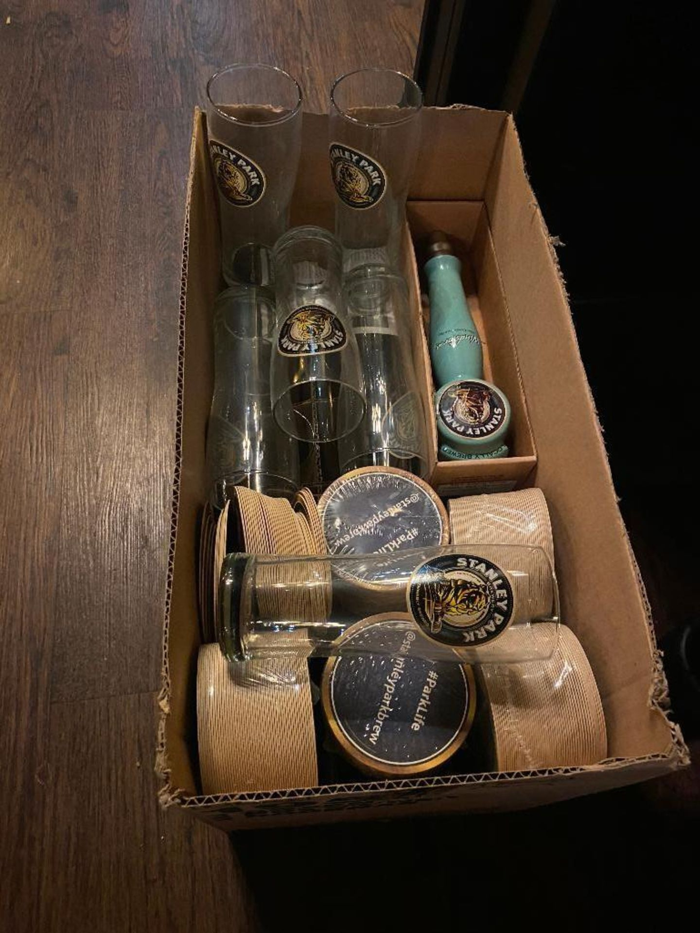 LOT OF STANLEY PARK BREWERY ITEMS INCLUDING BEER TAP, GLASSES & COASTERS - Image 2 of 4