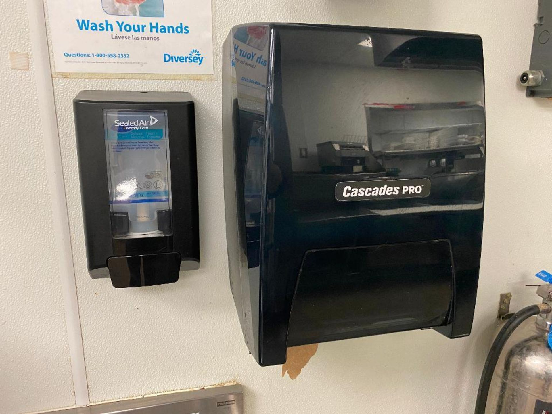 (3) CASCADES PRO PAPER TOWEL DISPENSERS - NOTE: REQUIRES REMOVAL FROM WALL, PLEASE INSPECT - Image 2 of 4