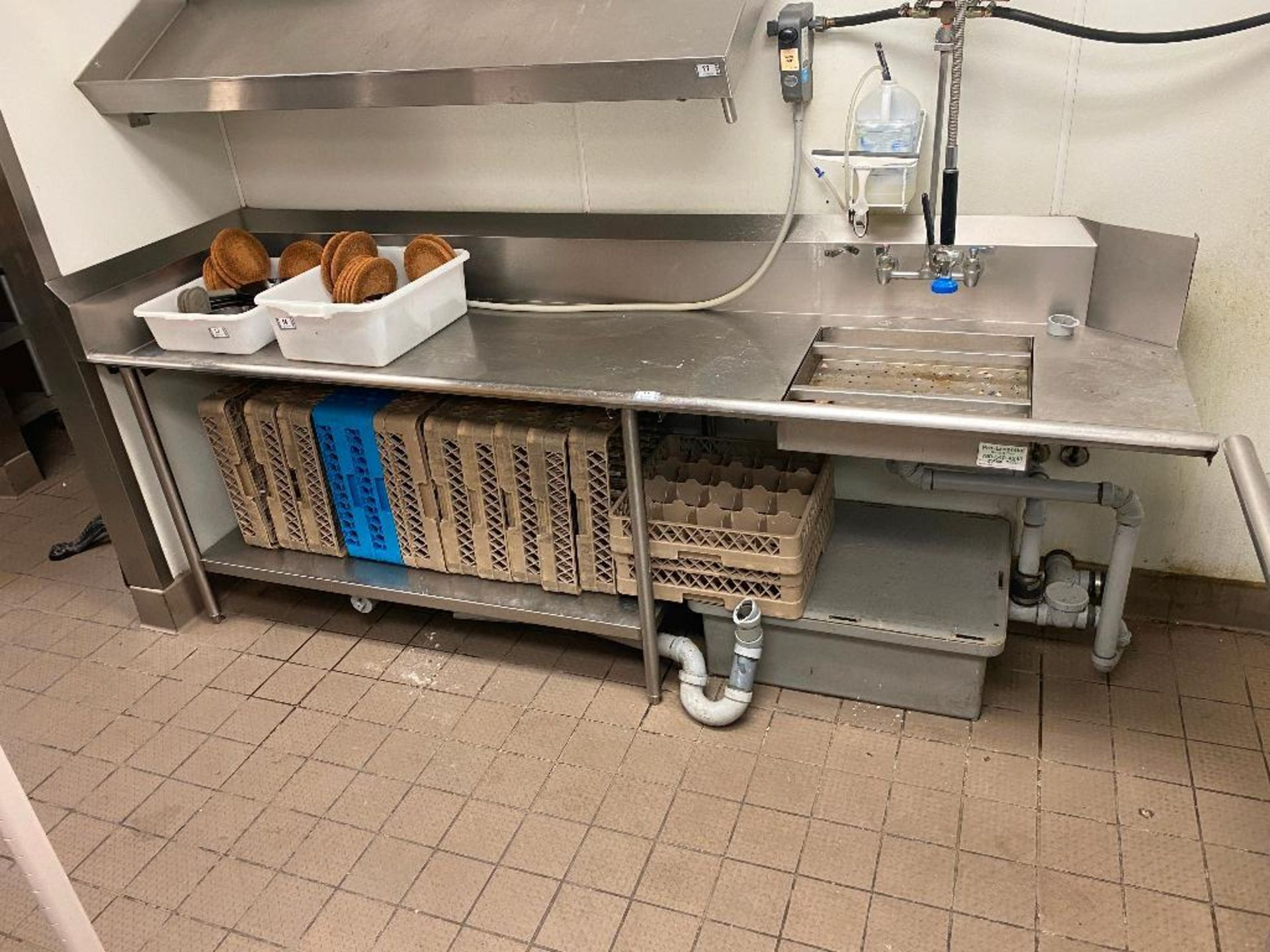 """105"""" STAINLESS STEEL DRAINBOARD/ SINK WITH PRE-RINSE & GREASE TRAP - NOTE: REQUIRES DISCONNECT, PLEA - Image 2 of 4"""