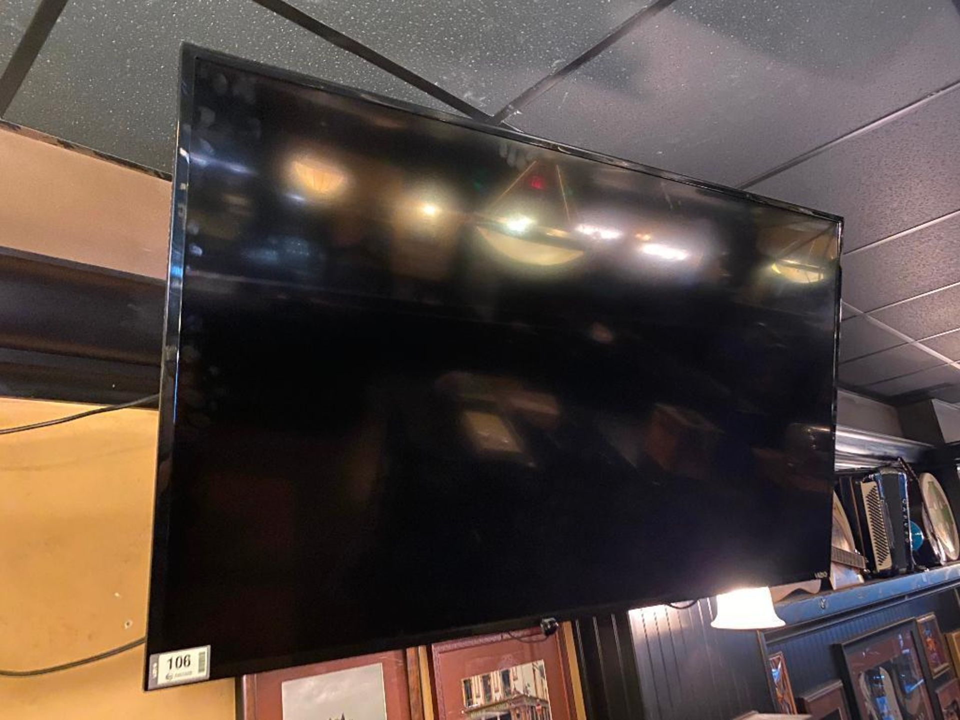 "VIZIO 50"" D50F-FI TV - NO REMOTE - NOTE: REQUIRES REMOVAL FROM MOUNT, PLEASE INSPECT"