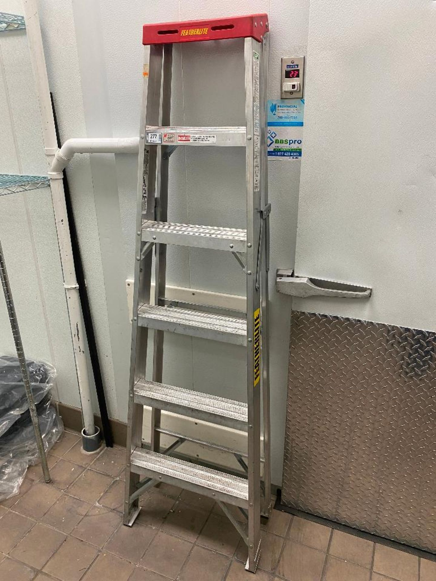 FEATHERLITE 6' ALUMINUM STEP LADDER
