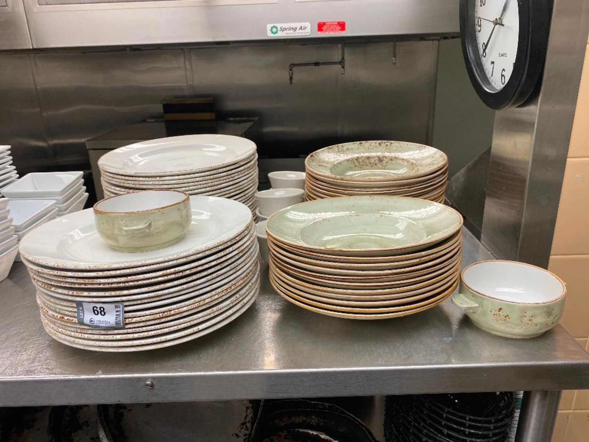 LARGE LOT OF STEELITE INTERNATIONAL MADE IN ENGLAND DINNERWARE