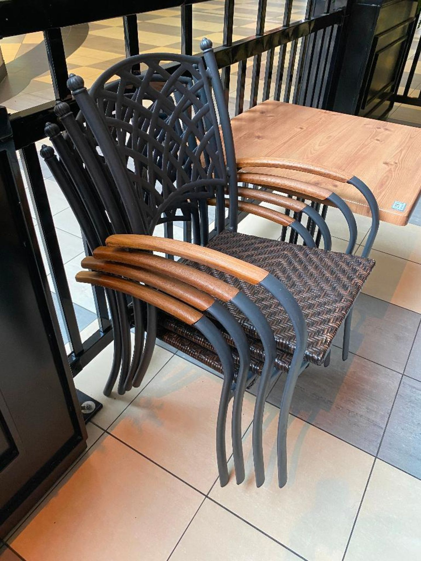 """TOPALIT 31"""" X 31"""" PATIO TABLE WITH 4 CHAIRS - Image 2 of 3"""