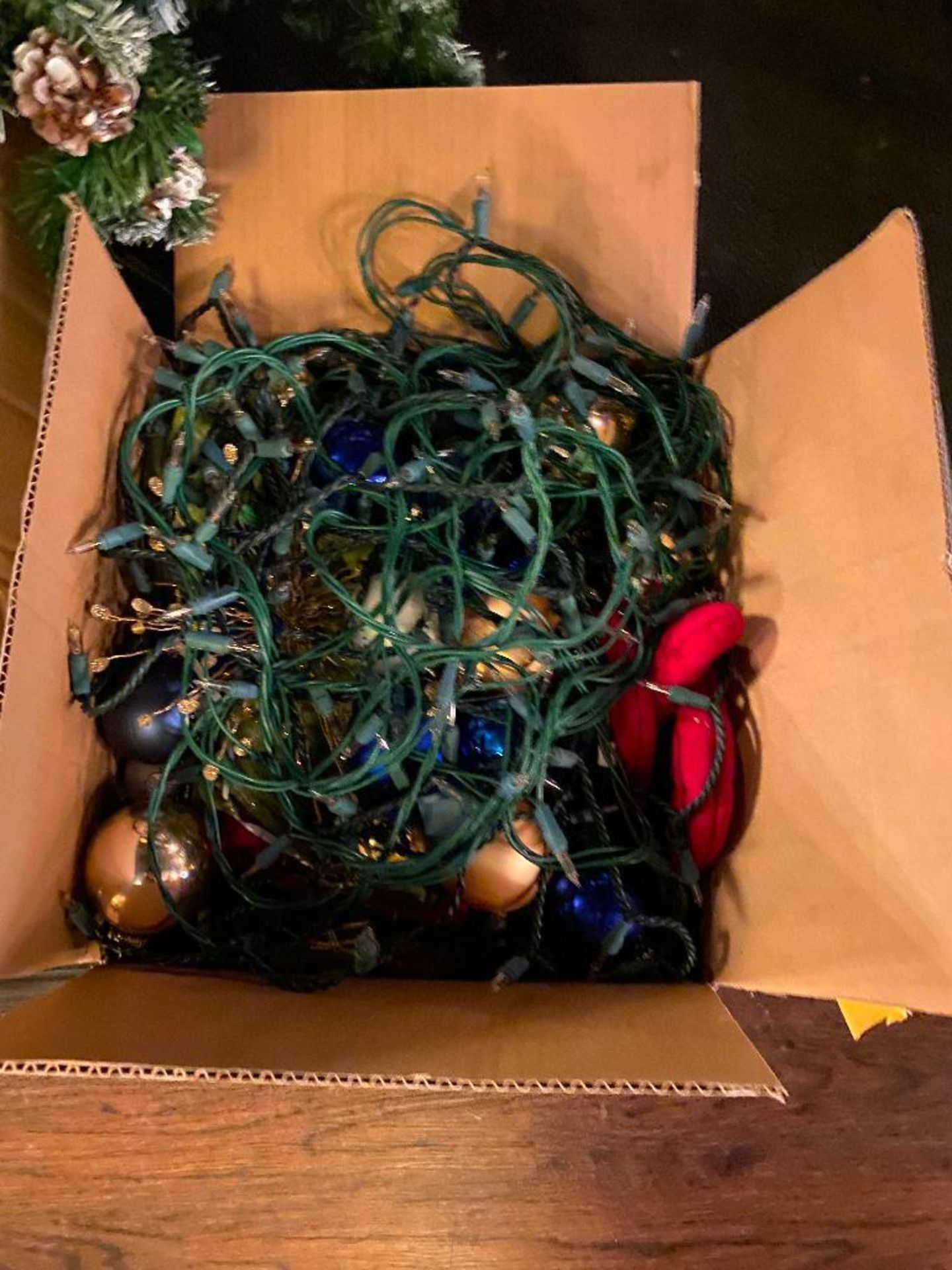 6' CHRISTMAS TREE WITH LIGHTS & DECORATIONS - Image 2 of 4