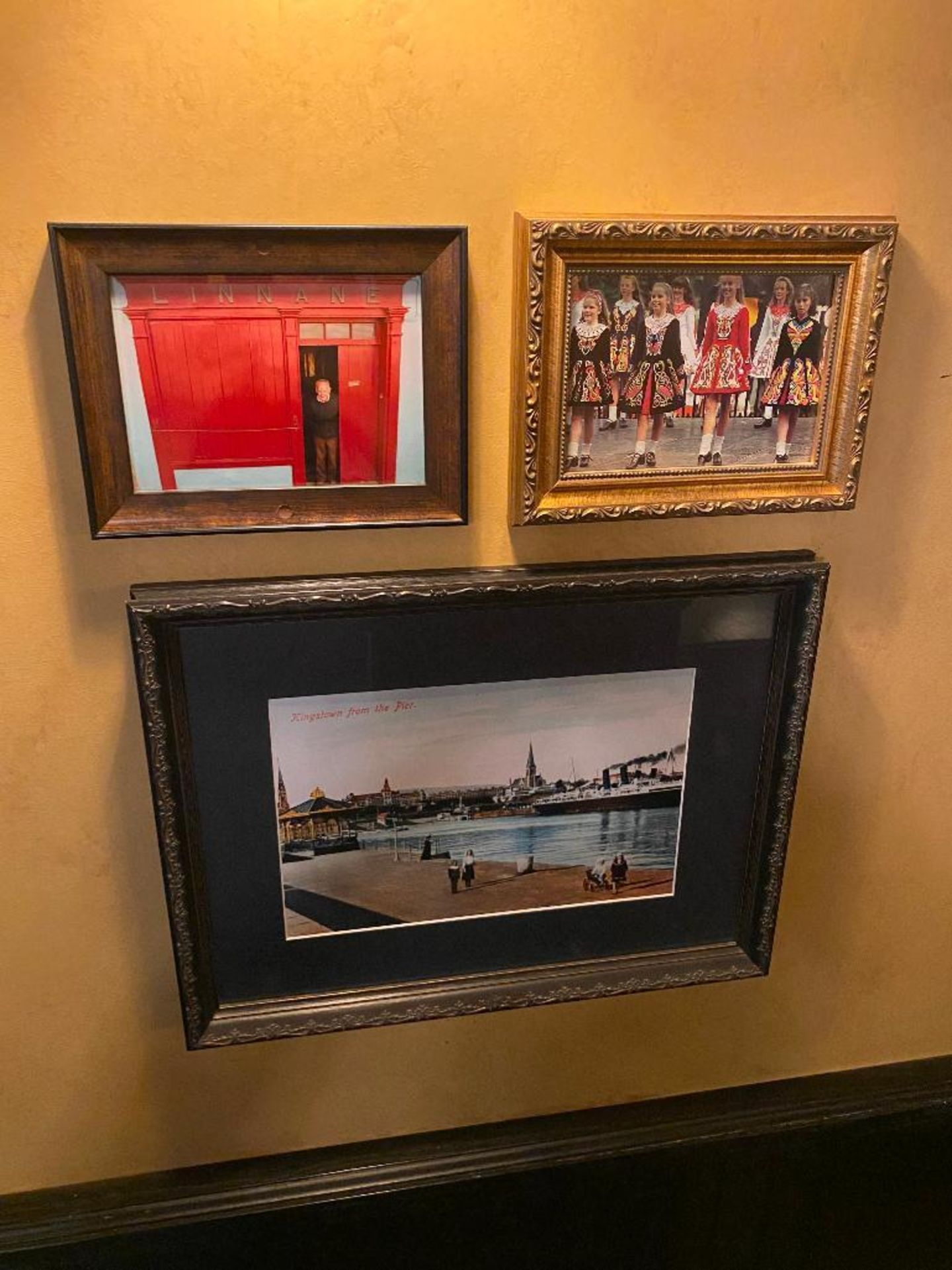 LOT OF (7) FRAMED MEMORABILIA PHOTOS & (1) WALL SHELF WITH ASSORTED DECORATIVE ITEMS - NOTE: REQUIRE - Image 4 of 7