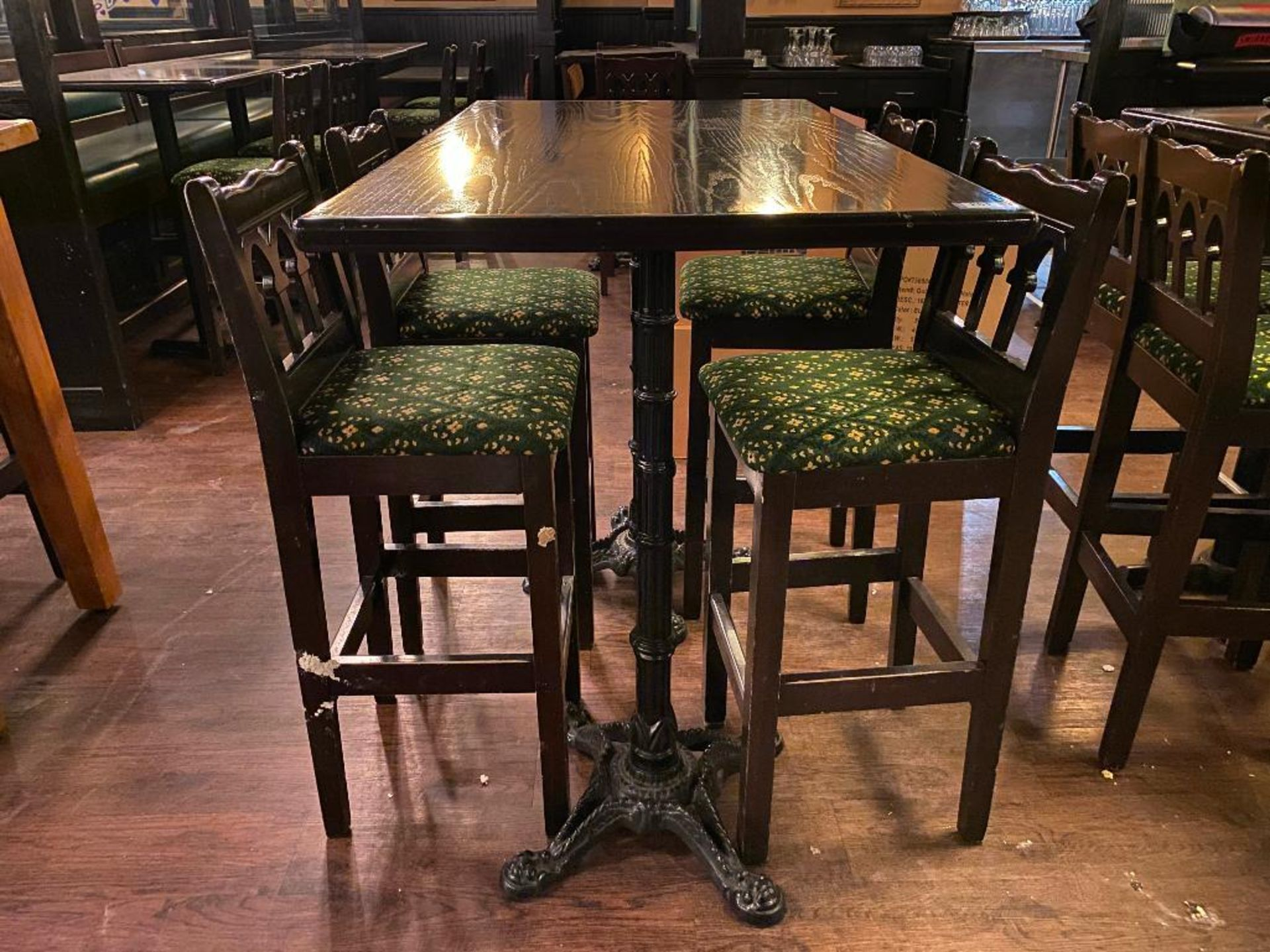 RECTANGULAR BAR HEIGHT TABLE WITH 4 BAR HEIGHT CHAIRS - Image 3 of 3