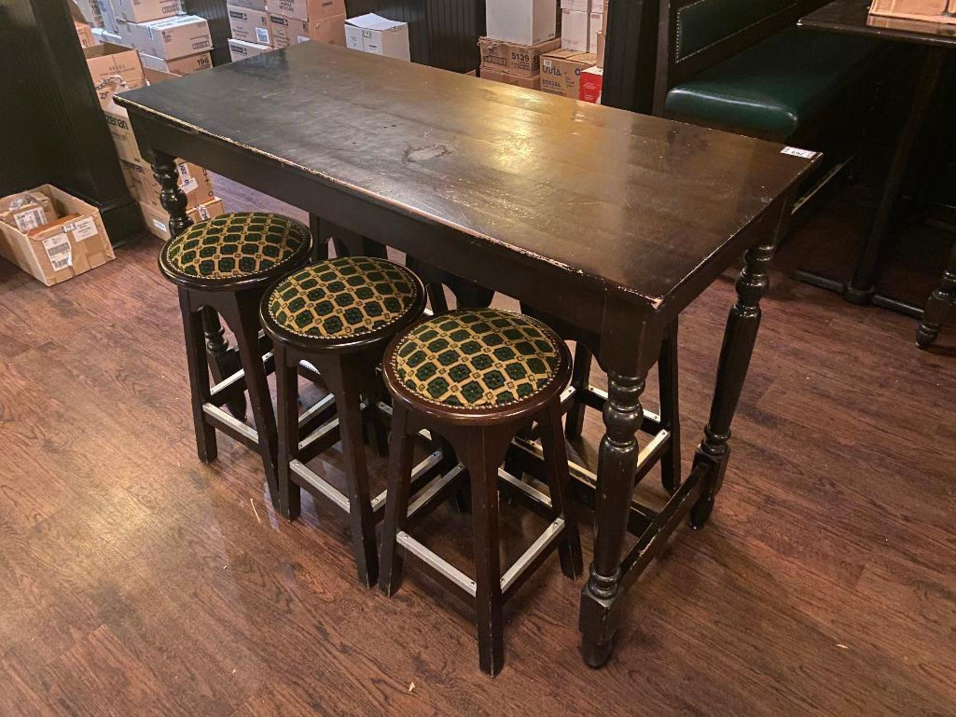 WOODEN BAR HEIGHT TABLE WITH 6 BAR STOOLS - Image 2 of 2