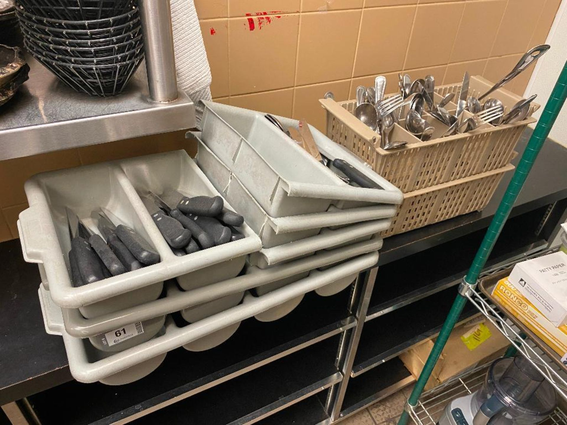 LOT OF ASSORTED SILVERWARE INCLUDING VOLLRATH STEAK KNIVES