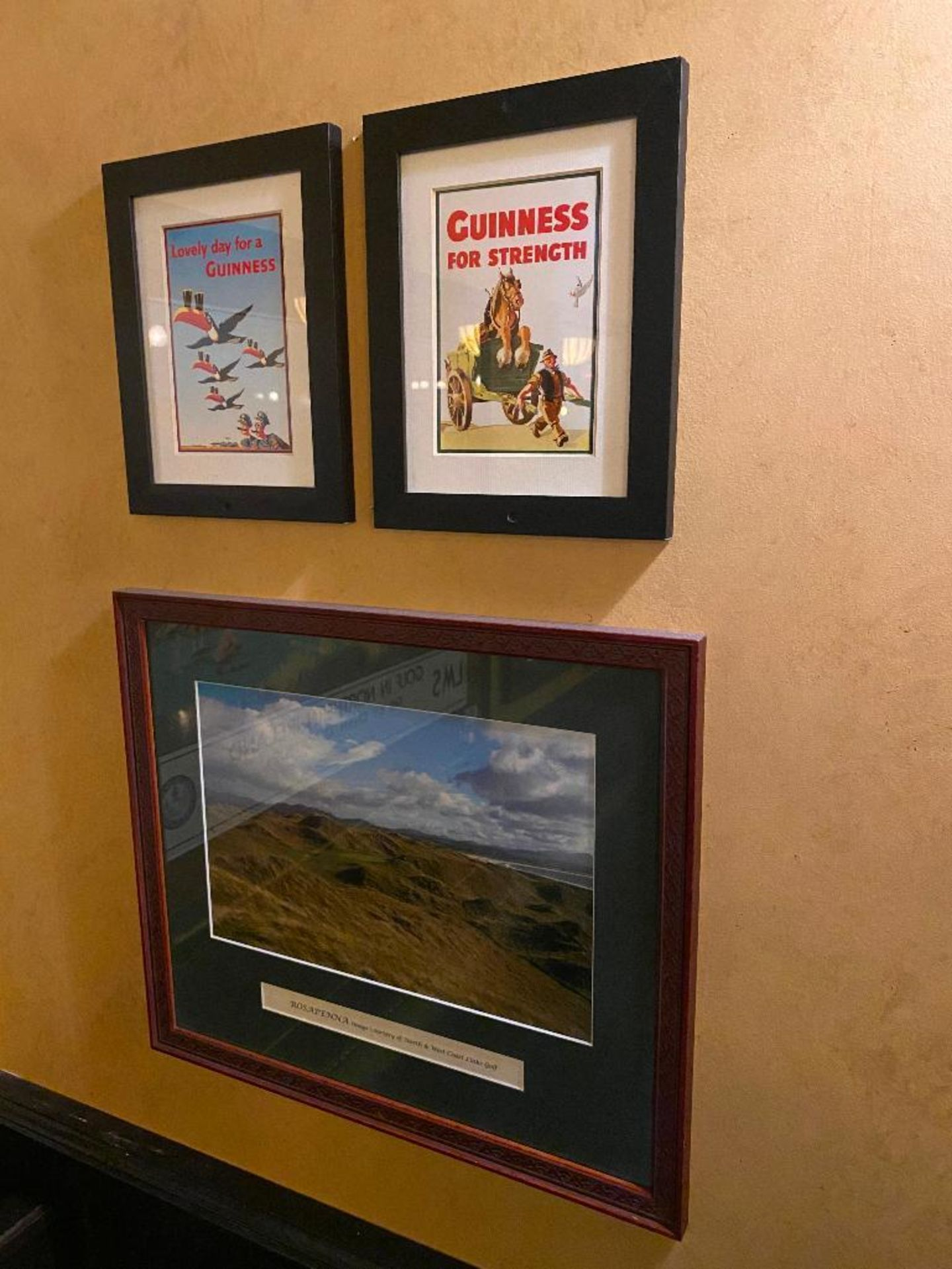 LOT OF (6) FRAMED MEMORABILIA PHOTOS & (1) PLAQUE - NOTE: REQUIRES REMOVAL FROM WALL, PLEASE INSPECT - Image 5 of 5