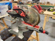 Milwaukee 6955-20 12-Inch Dual Bevel Sliding Compound Mitre Saw