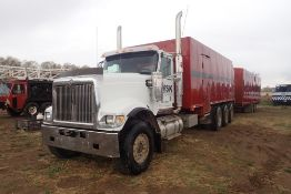 2008 International Paystar 5900I Tridem Axle Auxiliary Truck, VIN 1HTXTAPT28J676325.