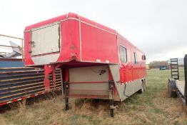 Tandem Axle 5th-Wheel 24' Doghouse, VIN SK40115573.
