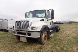 2005 International 7400 Single Axle Truck Chassis, VIN 1HTWGAAR15J044912. NOTE: NOT OPERATIONAL.