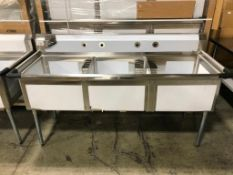 """3 TUB STAINLESS STEEL SINK WITH CORNER DRAIN, 120-S3C242414, 29.5"""" X 77"""" X 43.75"""" - NEW"""