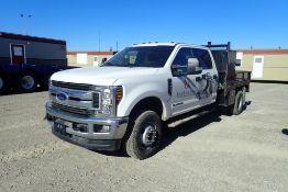 2019 Ford F350 SD XLT Super Crew Cab 4x4 DRW Deck Truck. VIN 1FT8W3DT7KEF30656.